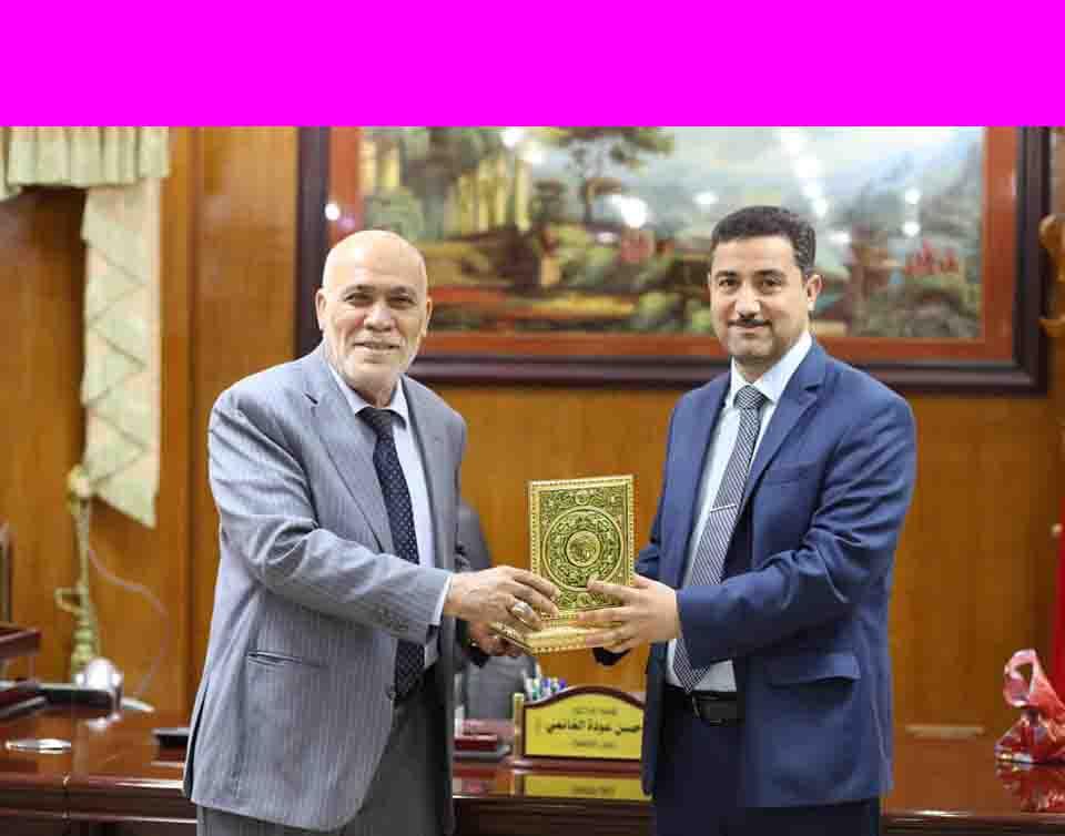 رئيس الجامعة الأستاذ الدكتور عامر علي العطوي يتفقد سير الامتحانات النهائية
