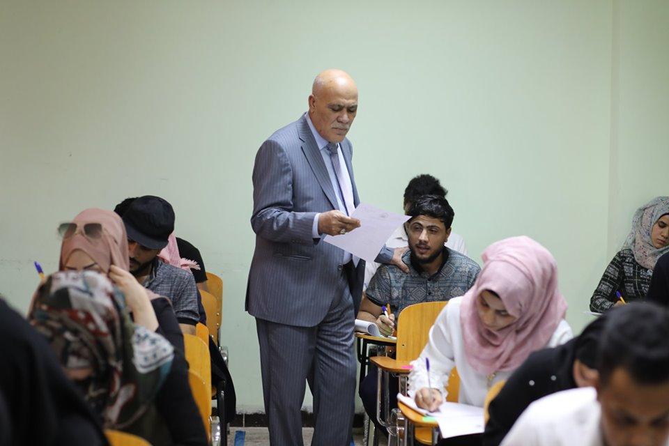رئيس جامعة المثنى يتفقد سير الامتحانات النهائية في كليات الجامعة