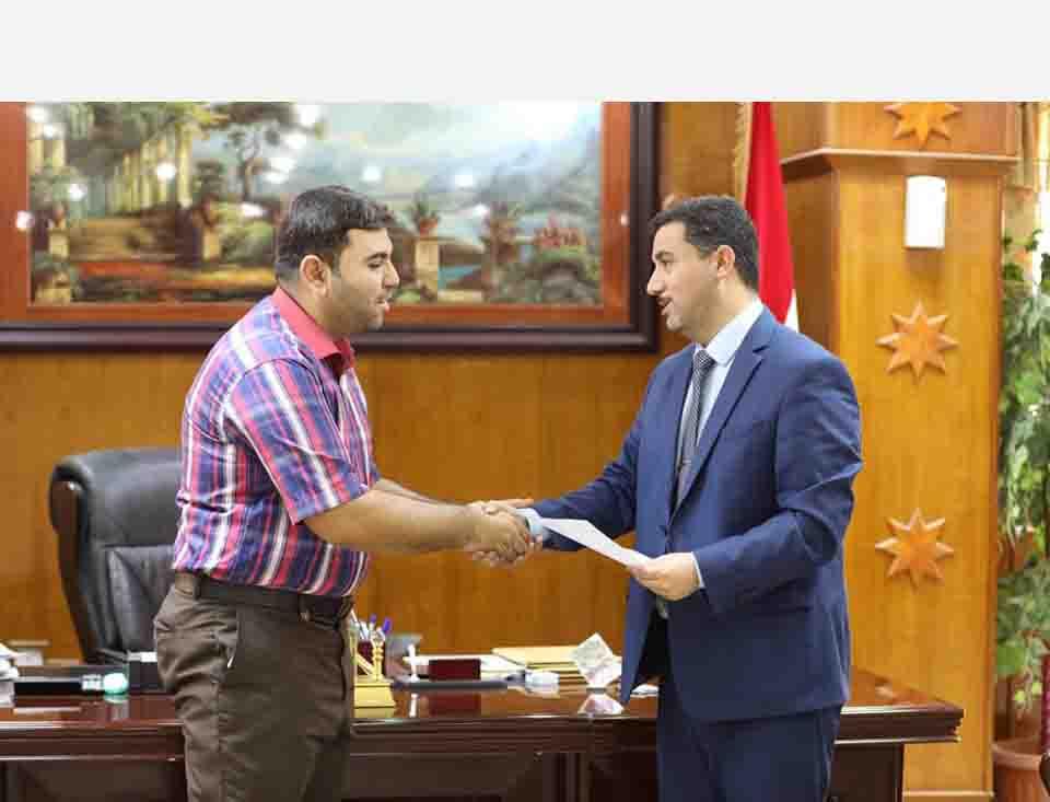 رئيس جامعة المثنى يستقبل المهنئين بعيد الفطر المبارك