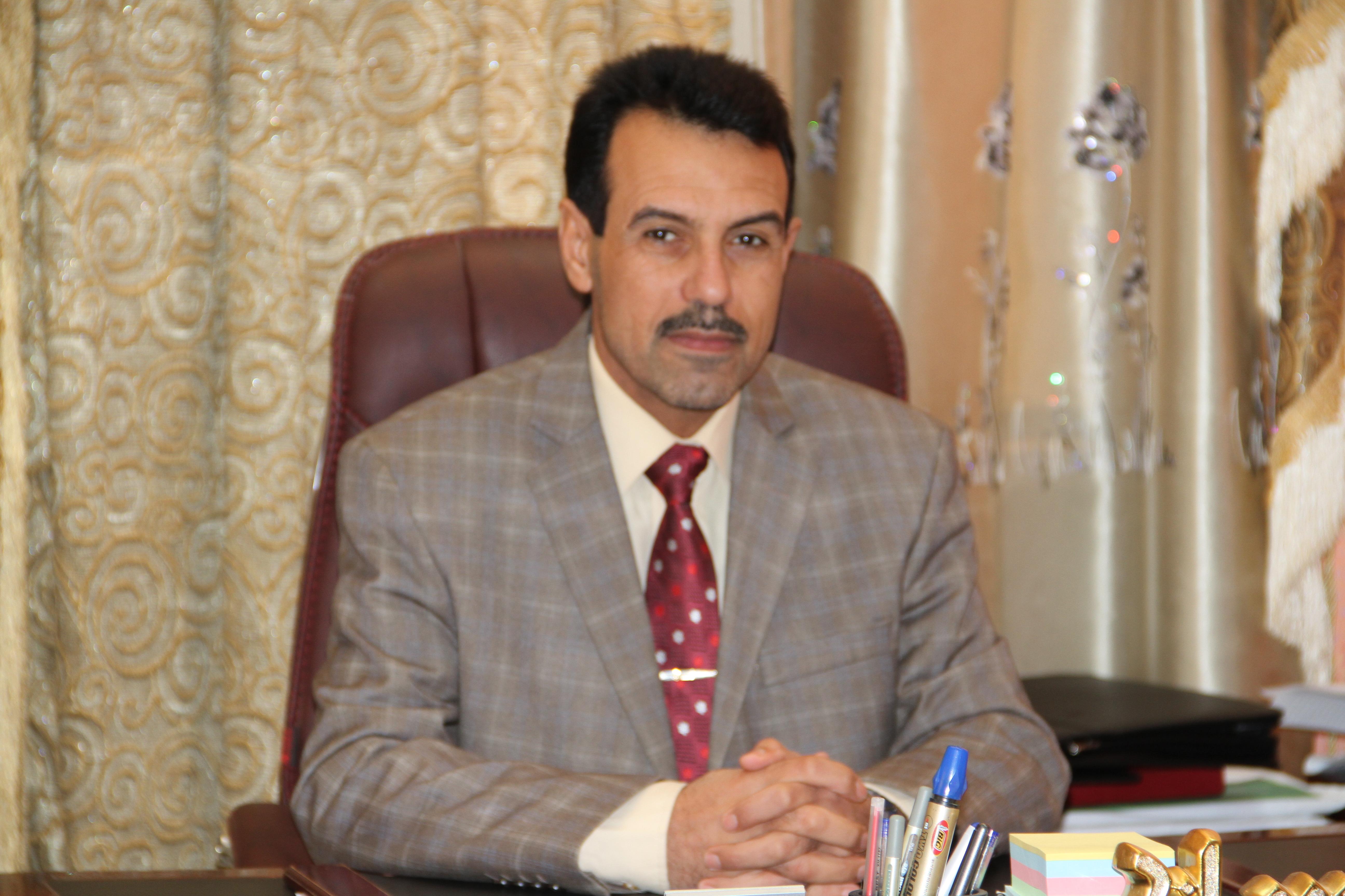 مجلس جامعة المثنى يكرم الدكتور زين العابدين عواد كاظم عميد كلية القانون