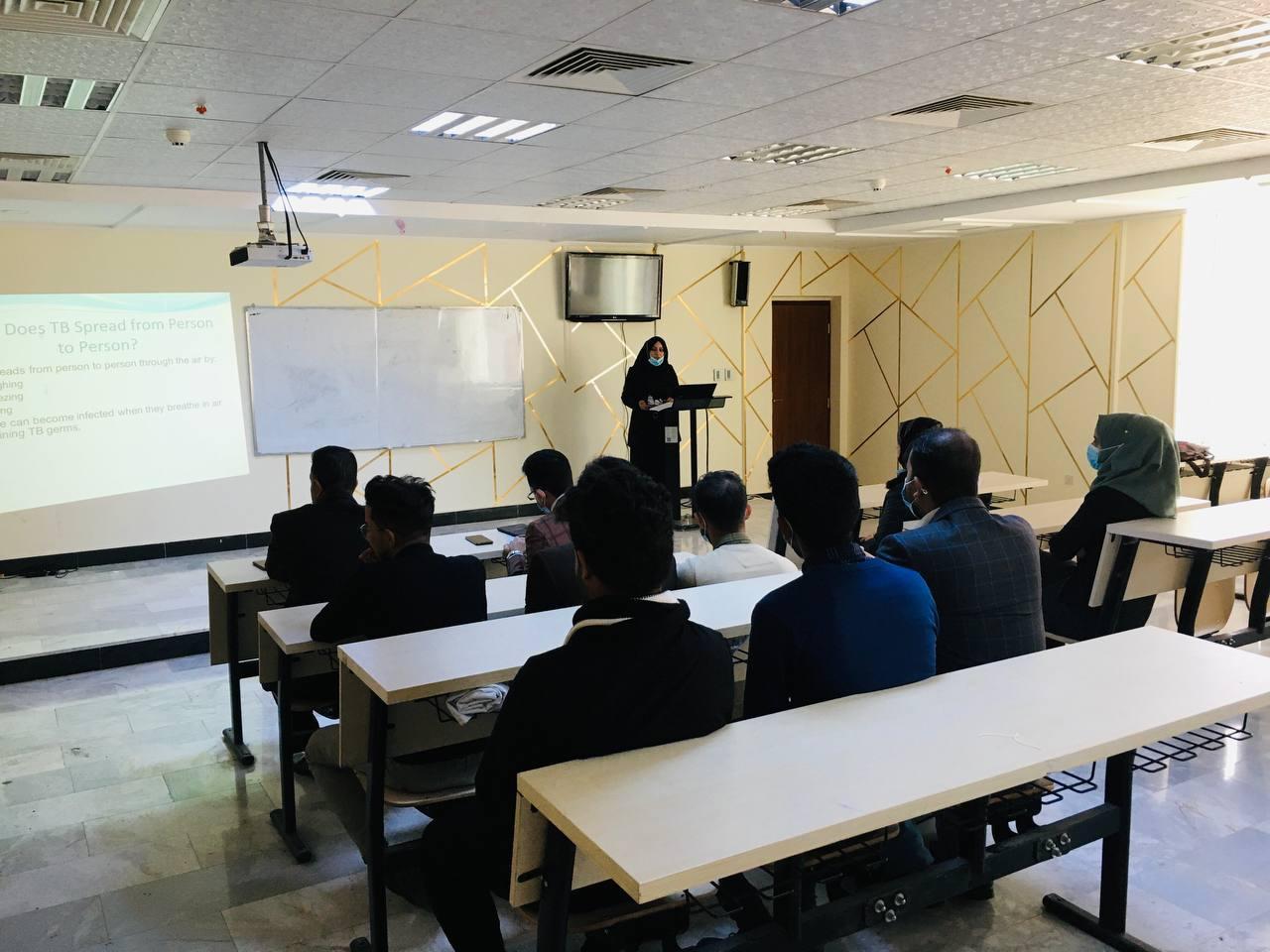 جامعة المثنى تقيم  حلقة نقاشية  بعنوان ( تنمية البيئة المحيطة وسبل الحفاظ عليها)