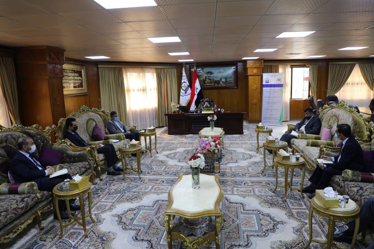 رئيس جامعة المثنى يوجه بتطبيق خطة الوزارة في إكمال متطلبات مناهج الدراسات العليا